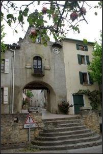 L'entrée principale et son escalier d'accés