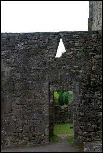 Détail des fortifications t curieuse ouverture triangulaire